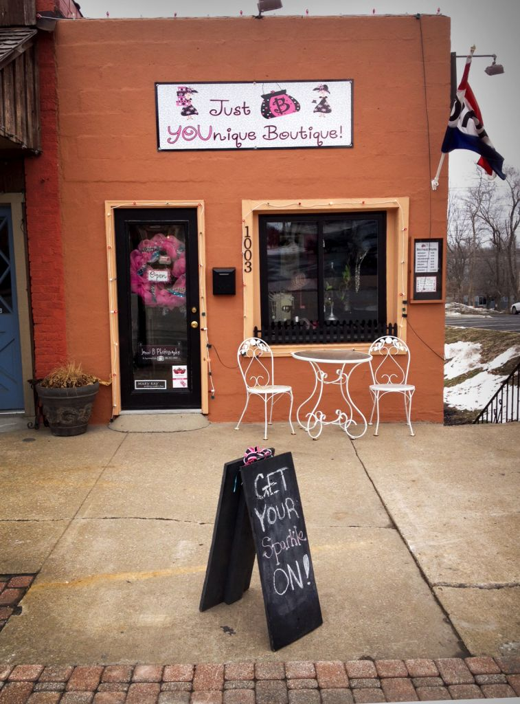 Cute boutique in downtown Blue Springs